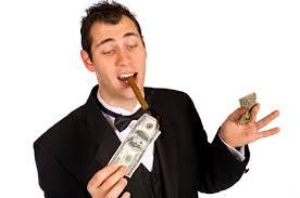 Cual es el mayor desperdicio de dinero y como evitarlo?