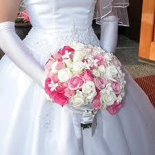 Cómo hacer un arreglo floral para bodas: video paso a paso