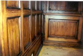 Cómo hacer que un mueble parezca antiguo haciendo madera envejecida