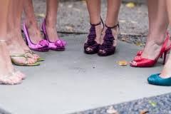 Zapatos brillantes, la última moda en calzado
