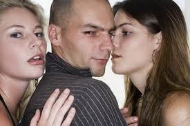Los hombres malos seducen a las mujeres