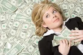 ¿Cuánto dinero se necesita para comprar felicidad?