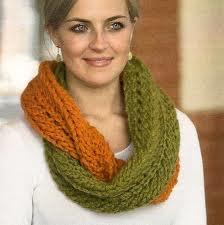 Cómo hacer una bufanda de dos colores