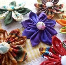 Cómo hacer flores japonesas de tela para el pelo