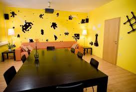 El amarillo y el negro en la decoración