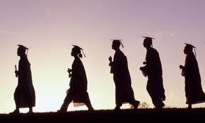 ¿Qué hacer luego de la graduación universitaria?