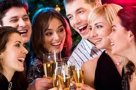 Cómo organizar una reunión con amigos sin invertir dinero