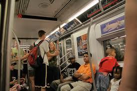 Cómo conquistar mujeres en el metro