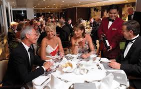 Cómo dar una buena impresión en una cena formal