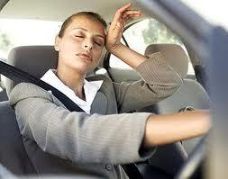 ¿Qué se debe comer antes de realizar un largo viaje en coche?
