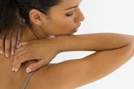 Cómo eliminar el acné de la espalda