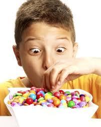 Como lograr que los niños coman menos dulces