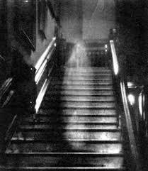 16 señales de que tu casa está embrujada