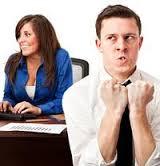 10 formas de hacer enojar a tus compañeros de trabajo
