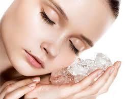 Consejos con hielo para la belleza del rostro