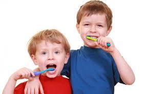 Cómo lograr que tus hijos se cepillen los dientes