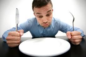 ¿Por qué nos enojamos cuando no comemos?