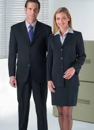Cómo ahorrar en la ropa para la oficina (sin afectar tu imagen profesional)