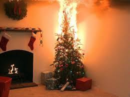 Cómo hacer un árbol de Navidad a prueba de incendios