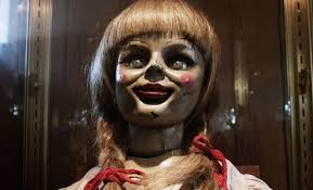Annabelle, la muñeca endemoniada