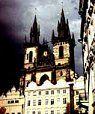 La catedral de Vyšehrad y el Teatro Negro de Praga