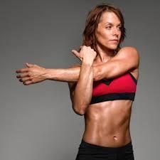 Cómo marcar el abdomen y los brazos en poco tiempo