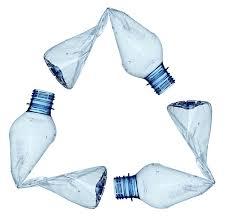 ¿Cómo realizar flores con botellas de plástico recicladas?
