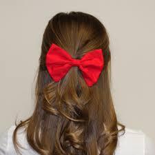 ¿Cómo hacer un moño de tela para el cabello?
