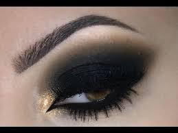 ¿Cómo maquillar ojos ahumados?