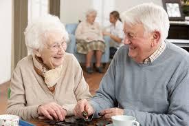 ¿Cómo escoger una residencia geriátrica?