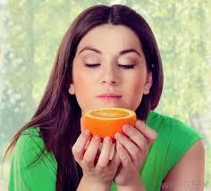 Belleza con naranja