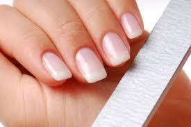 ¿Cómo limar las uñas?