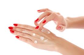 ¿Cómo hidratar mis manos naturalmente?