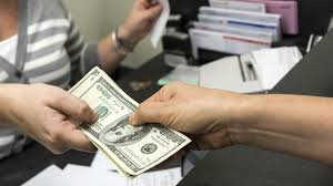 ¿Cómo solicitar y obtener un préstamo bancario?